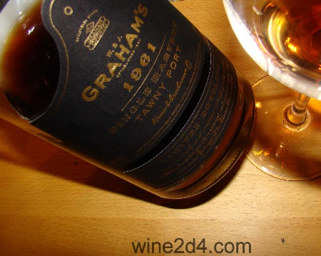 5/22/2012 - I wrote: 98 points (Edit)  Wow,really balsamic,deep,concentrated Port. Second day,more elegant,citrus fruits,nuts,dark caramel,many- layered(?) and endless aftertaste.